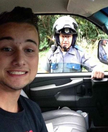 polis selfie