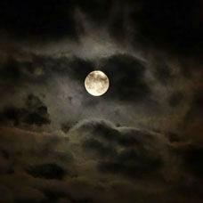 Ay ve Oğlak Burcu