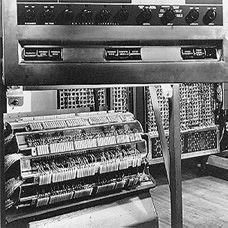 ilk Elektronik Hesap Makinesi