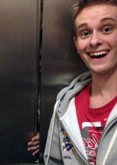 asansör selfie