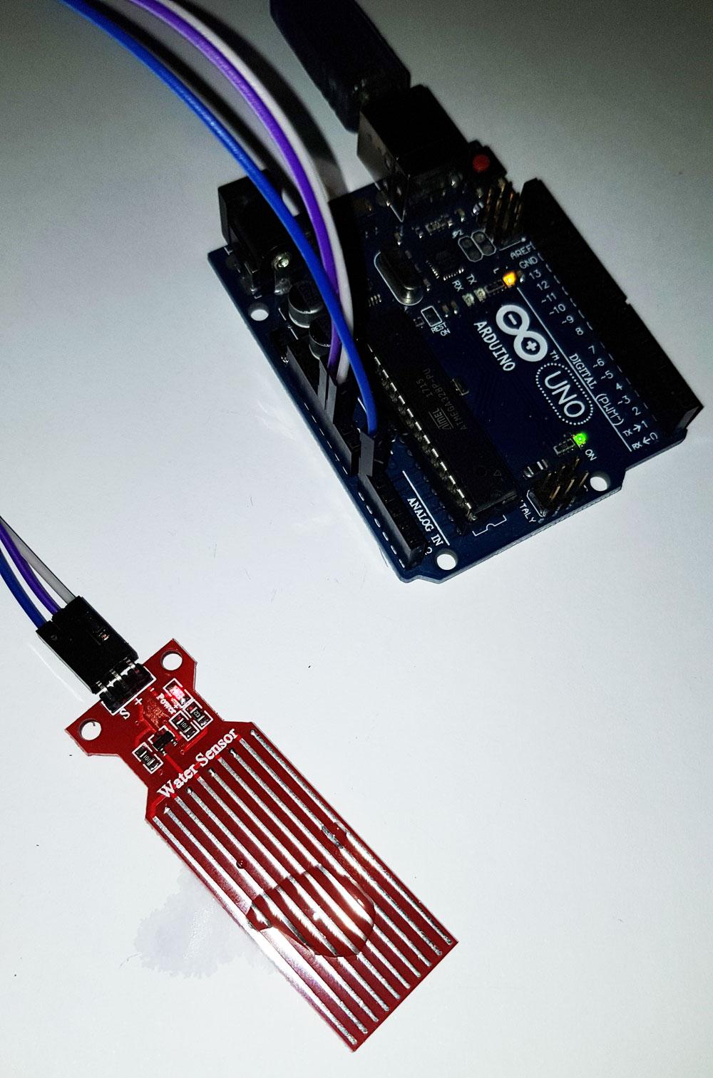 arduino water sensor wet